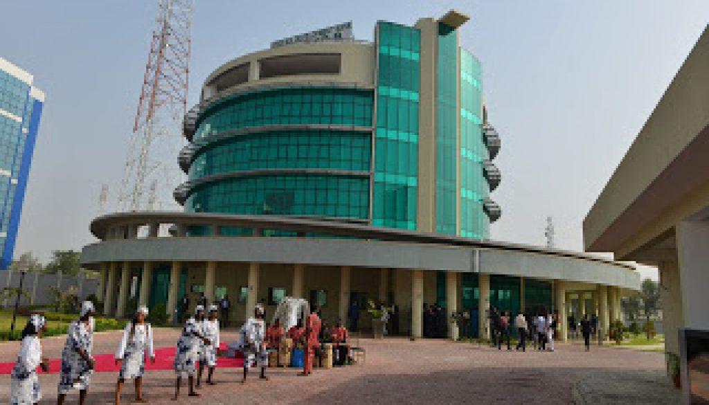 Pic.8.InaugurationofAfDBNigeriaCountryDepartmentComplexinAbuja