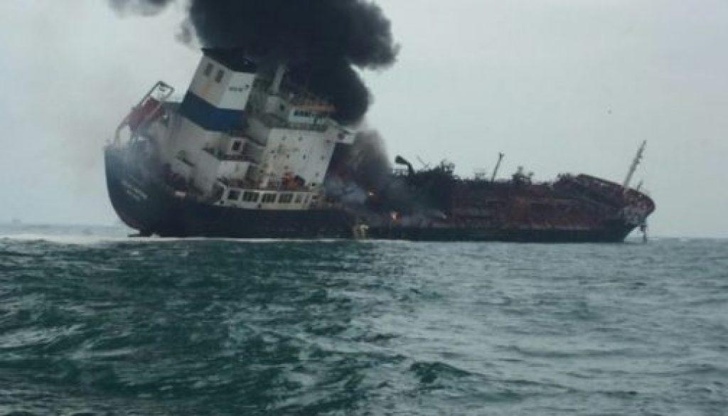 The-burning-oil-vessel-