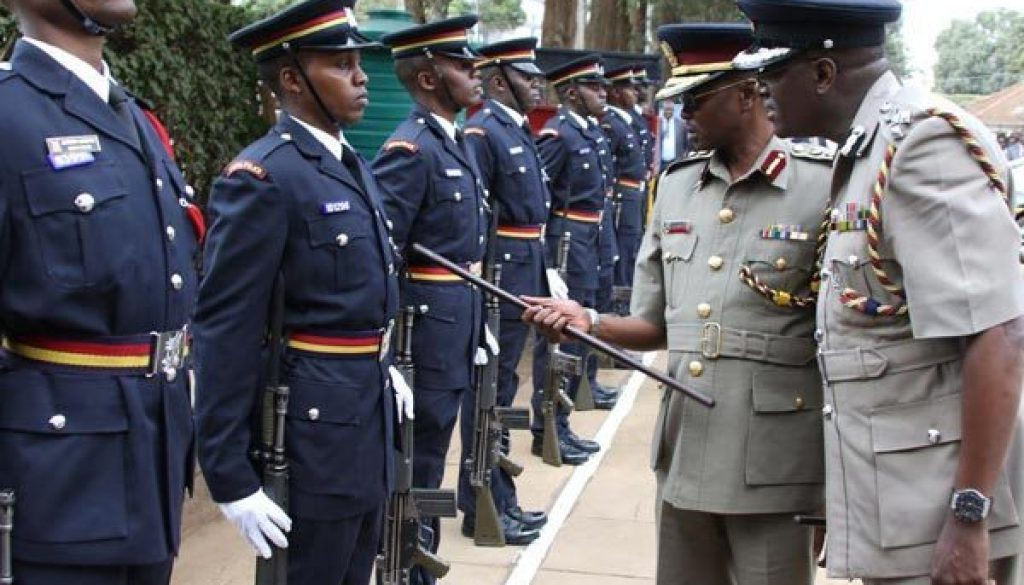kenya-police-officers