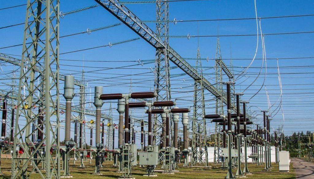 substation_electricity_current_high_voltage_transformer_power_generation_strommast_power_line-472993